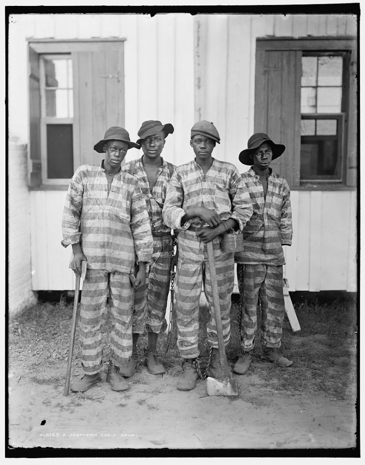 chain gangs and convict labor in the united states Eventually, the chain gang was operated as a daily road crew that lived in permanent prison facilities nearby with the advent of more mechanized heavy equipment for road building, the need for labor gangs decreased.